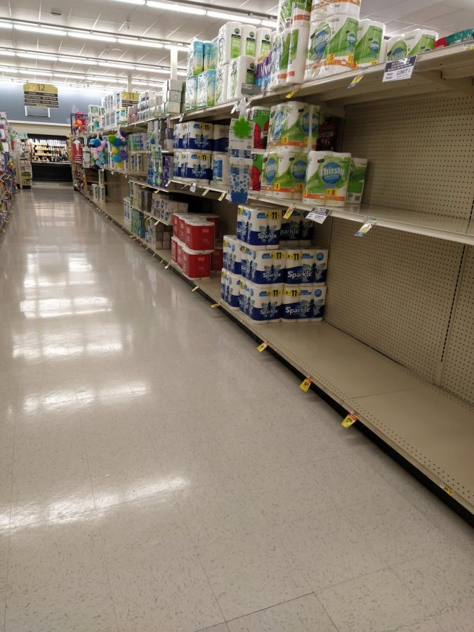 Local Albertsons sees a sudden increase in demand for paper towels yet again, as COVID-19 cases surge.